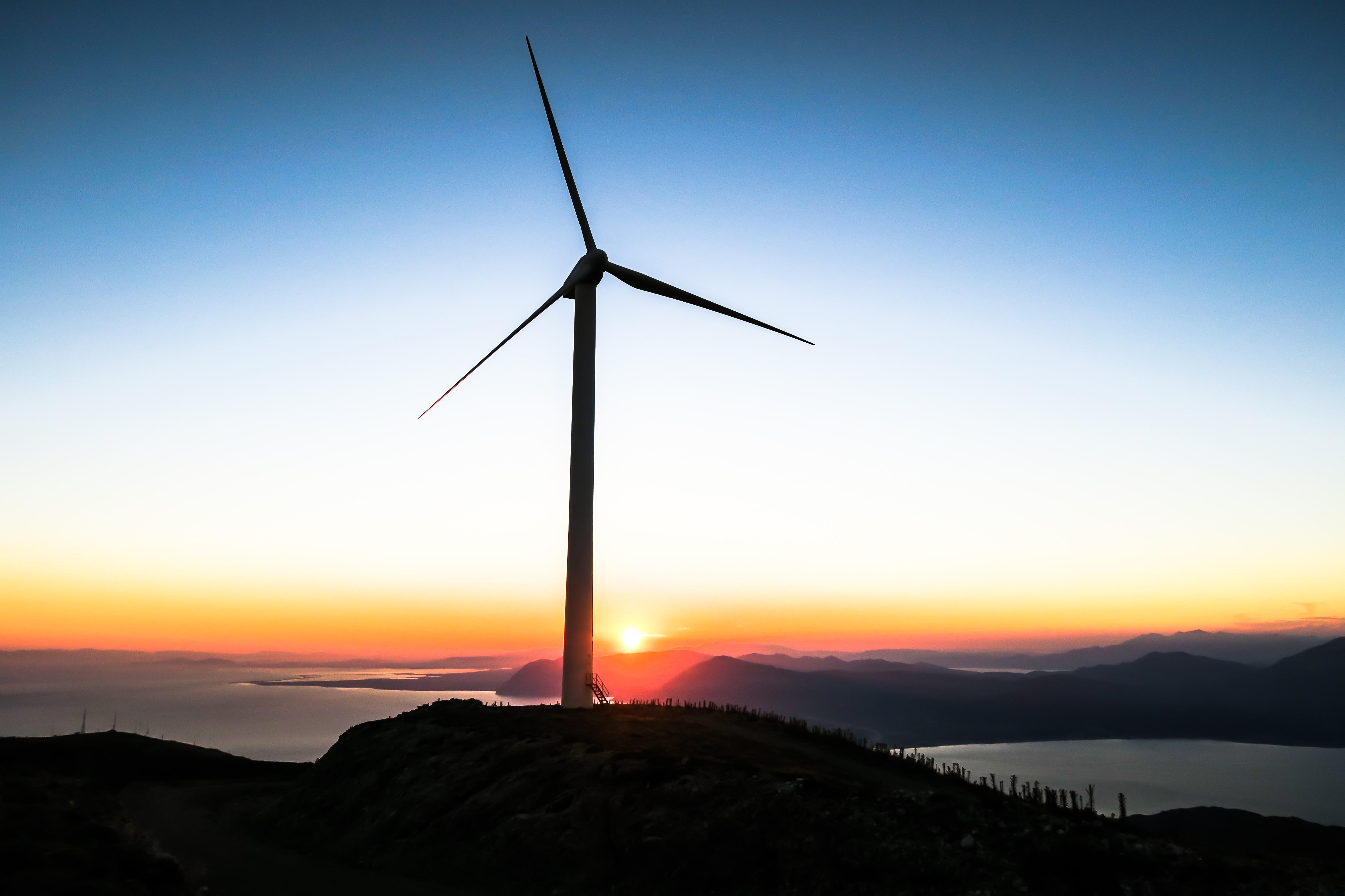 Windenergie. Foto: Unsplash/Jason Blackeye.