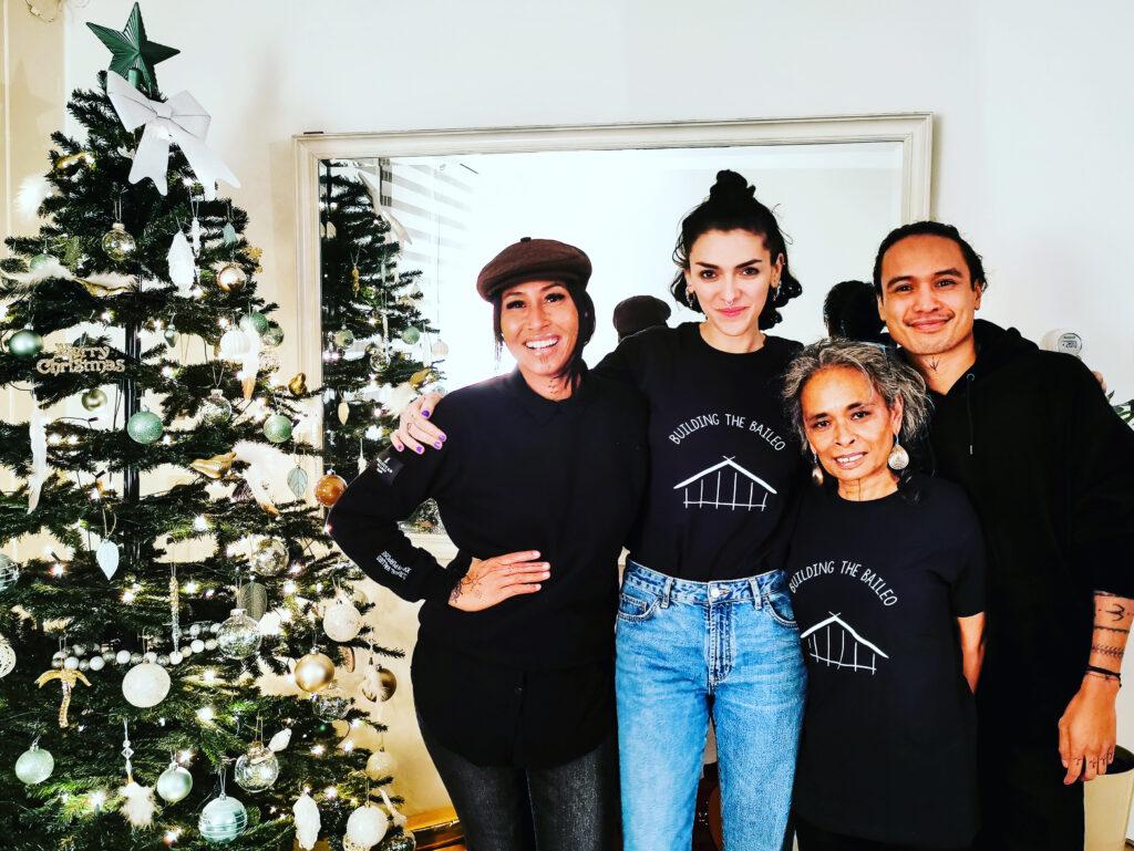 Het team van Building the Baileo met kerst.